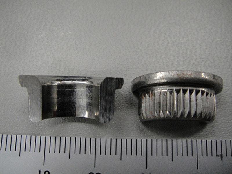 ツバ有り、貫通、平目部品 (平目ローレットはホーマー内で加工)